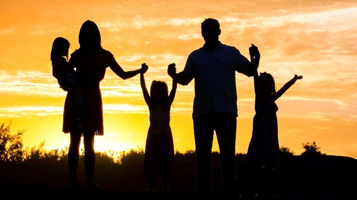Resultado de imagem para familia